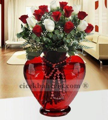 Kalbimin Sahibi 21 Adet Kırmızı Beyaz Gül KALP101