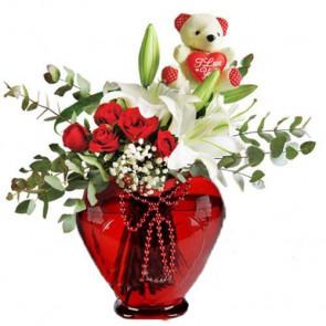 Kalbimin En Güzel Yerindesin '' Sevimli Oyuncak, Beyaz Lilyum,Kırmızı Gül ''
